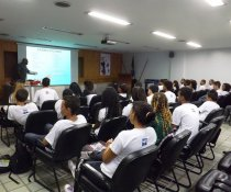 PALESTRA INTERATIVA NO SENAC - VILA VELHA COM ADOLESCENTES APRENDIZES - MATUTINO