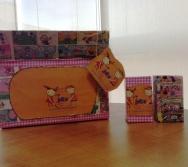 Kits do projeto Na Trilha dos Valores - Entregues pela Escarlena nas escolas integradas